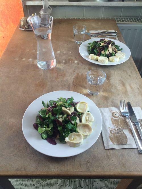 Salat_Tisch_gedeckt